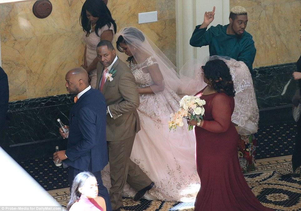 Omarosa Wedding Dress.Rev Omarosa Manigault Senior Staff Member Of President