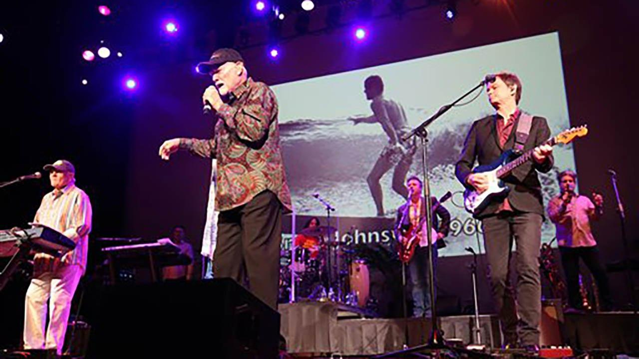 Far left, artists Bruce Johnston and Mike Love of The Beach Boys perform at the Ryman Auditorium on Tuesday, Jan. 24, 2017 in Nashville, Tenn. (Photo by Laura Roberts/Invision/AP)