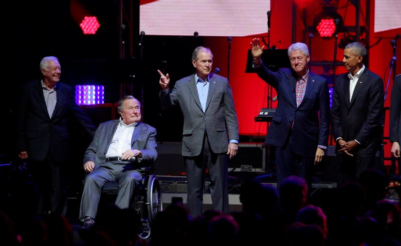 Five former U.S. presidents, Jimmy Carter, George H.W. Bush, George W. Bush, Bill Clinton, and Barack Obama attend a concert at Texas A&M University benefiting hurricane relief efforts in College Station, Texas, U.S., October 21, 2017. (PHOTO: REUTERS/RICHARD CARSON)