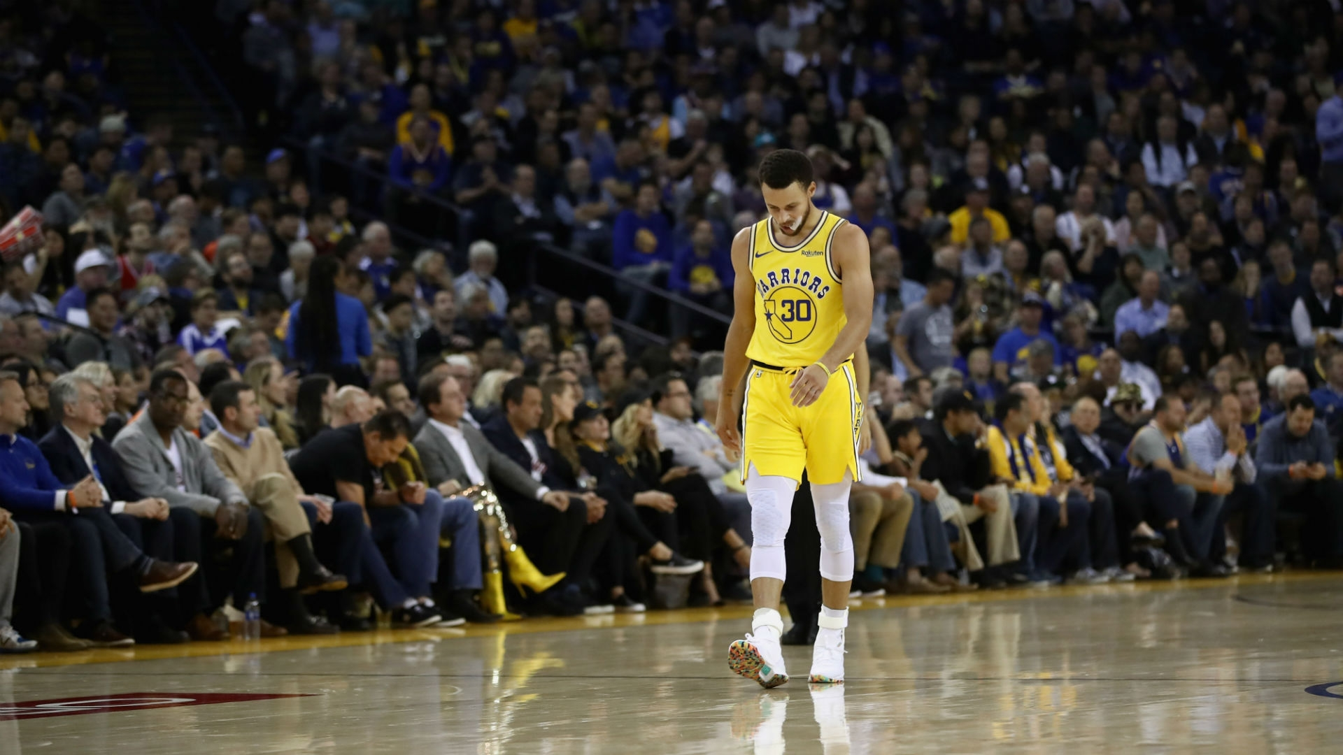 Steph Curry To Undergo Mri After Suffering Groin Injury In