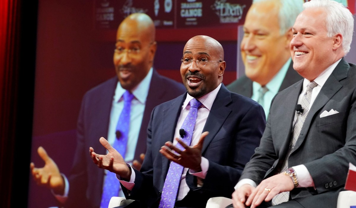 CNN host Van Jones and Matt Schlapp take part in a conversation on justice reform at the Conservative Political Action Conference (CPAC) at National Harbor in Oxon Hill, Maryland, U.S., February 28, 2019. REUTERS/Kevin Lamarque - RC13B1AFD540