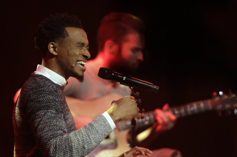Jonathan Mcreynolds Takes Home 6 Trophies At Stellar