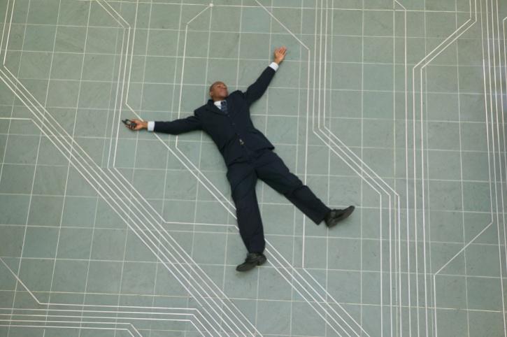 African American man faint