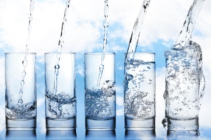 5 water glasses