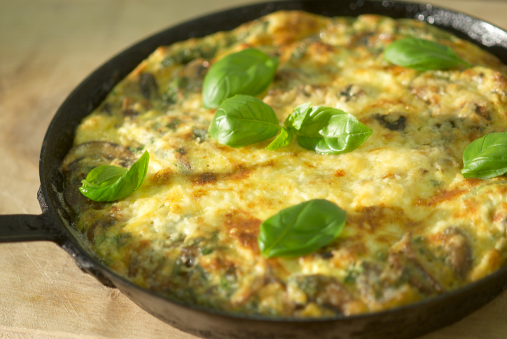spinach omelette in frying pan