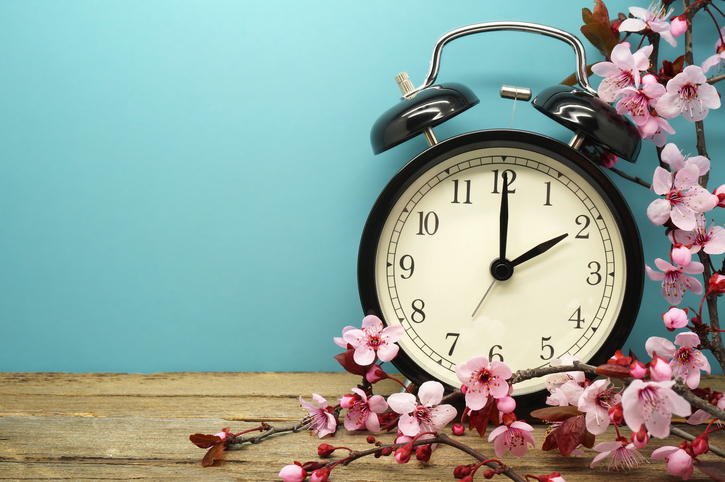 clock daylight saving time spring