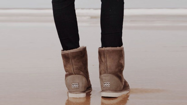 Surgeon Warns Ugg Boots May Cause Serious Harm