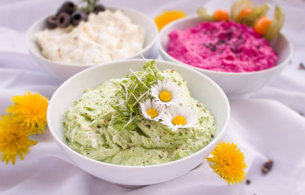 When I Dip, You Dip, We Dip: Healthy Dips For The Weekend