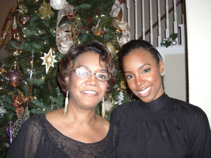 kelly-rowland-and-her-mom
