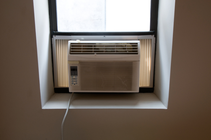 Air conditioner unit in window