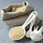 quinoa in measuring spoon