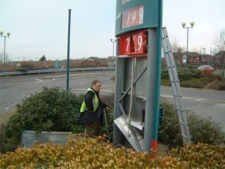 Sign Repair and Restoration