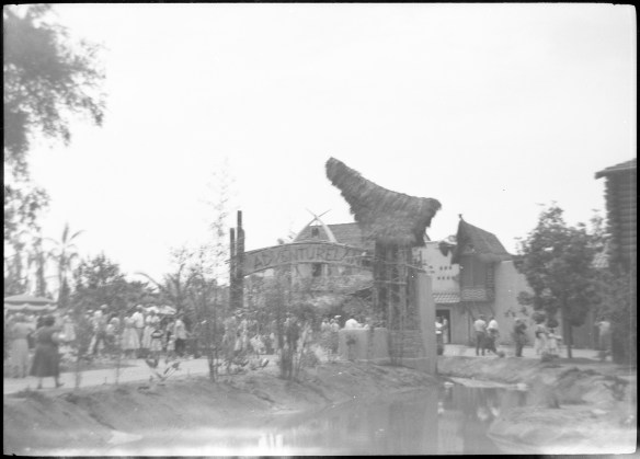 1955-07-18- Disneyland 8