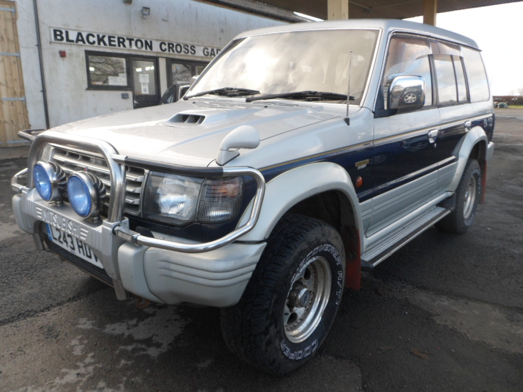 hight resolution of mitsubishi pajero 2 8 diesel auto 1994