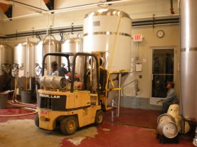 fermenter tank moving 074