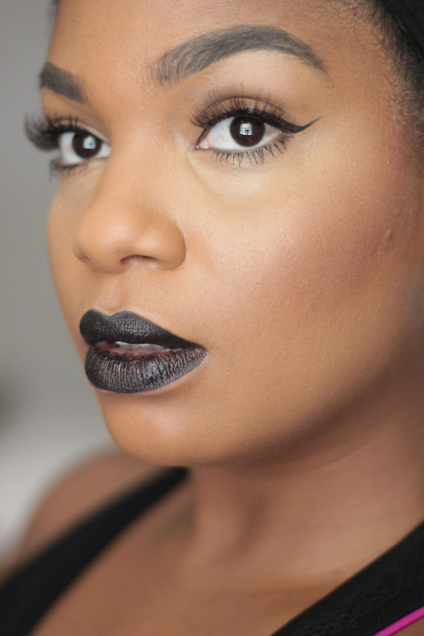 30 Black Beauties Rocking Deep Lip Colors For Fall  Black -8104