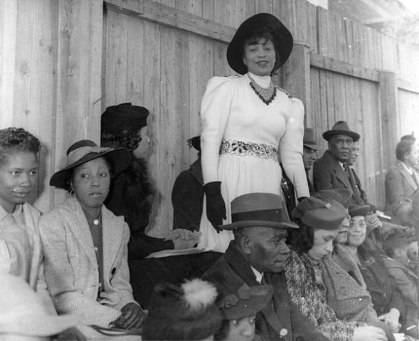zora neale hurston in the harlem renaissance essay Writings of hughes and hurston guests examined the origins and impact of the harlem renaissance which zora neale hurston hometown tour a c-span school.