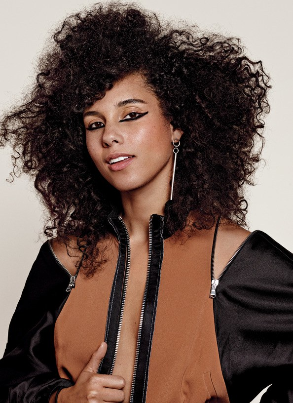 The End of Her 'No Makeup' Movement? Alicia Keys Admits That She Wears Makeup