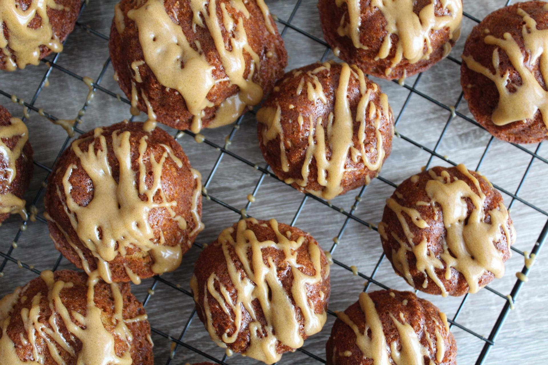 Apple Cinnamon Cake with Brown Sugar Glaze-4
