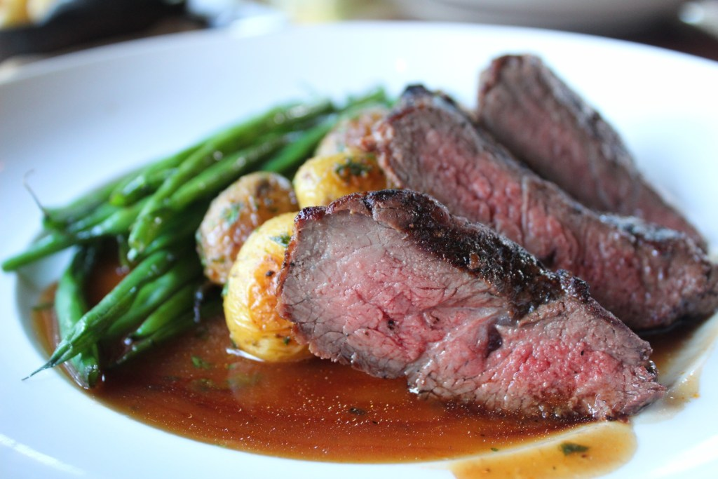 Bistro Steak potatoes and green beans