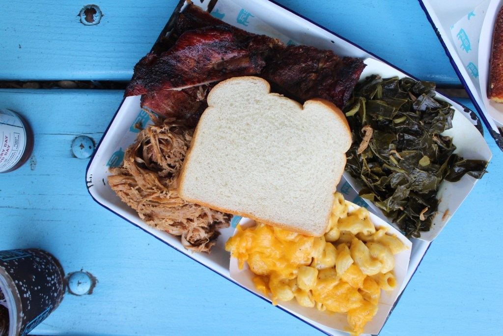 Plate of Barbecue, mac and cheese and bread