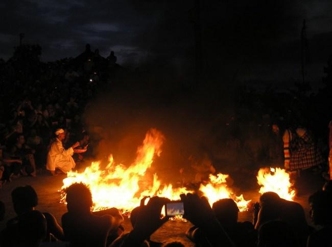kecak-dance-fire
