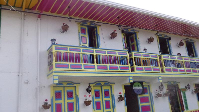 houses-in-guatape