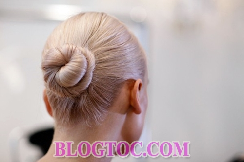 The beautiful hairstyles with the bride's accessories are judged by experts to thrive in the near future 4