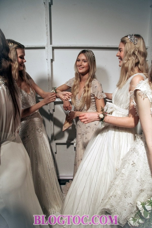 Beautiful hairstyles with bridal accessories that are evaluated by experts will thrive in the near future.