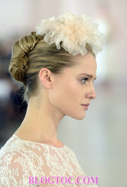The beautiful hairstyles with bridal accessories that are evaluated by experts will thrive in the near future.14