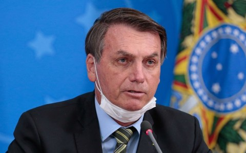 Existe vacina para o Bolsonaro? – Is there a vaccine for Bolsonaro?