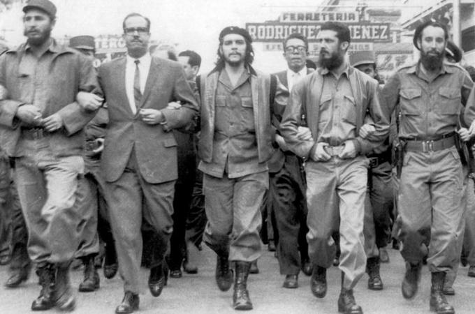 Che and Fidel showing unity