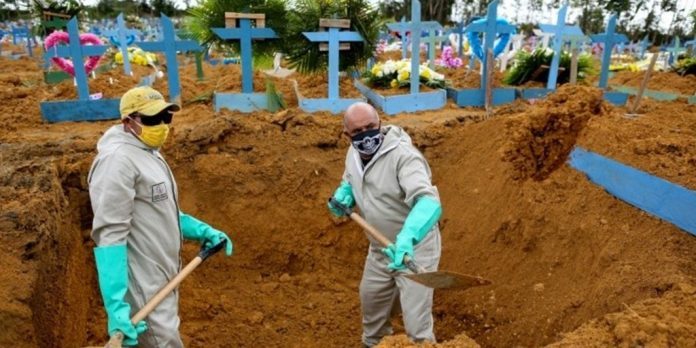 Mass graves being dug in Brazil due to the countless deaths caused by the sellout government and bolsonaro
