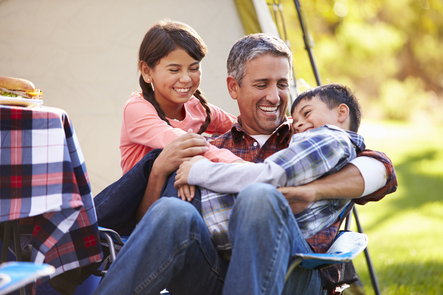 dad-and-kids-camping