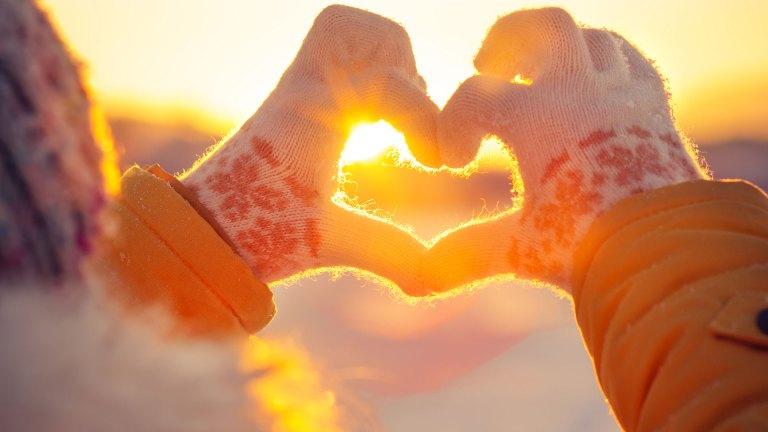 Hands Winter Heart