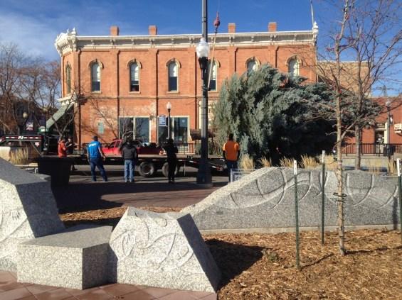 Main Street Square Christmas Tree Hauling
