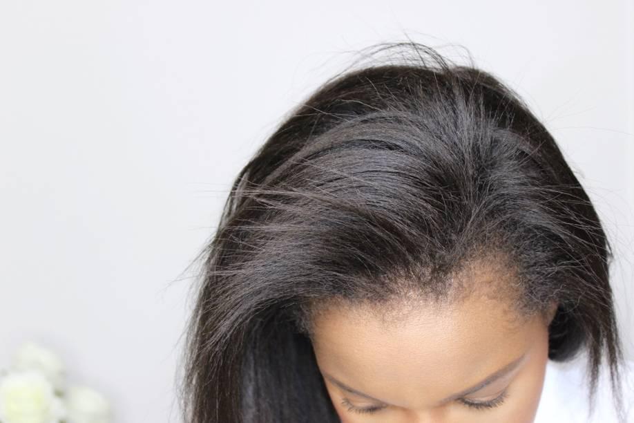 cheveux défrisés et volume