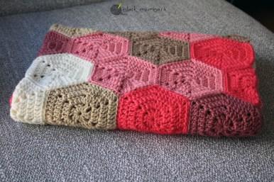 manta hexagonos crochet - black mambart- free pattern