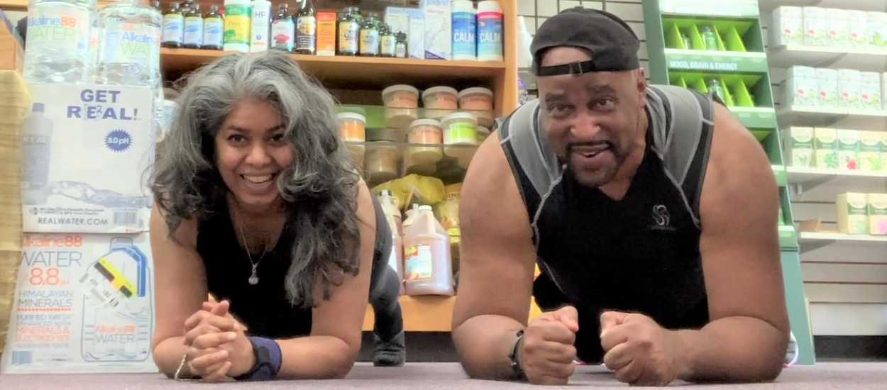 Gary Johnson Joins the Herbal Infusion Plank Challenge