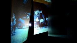 "Yasmin Birkandan: Filmstill, PERFORMING the Black Mounain ARCHIVE in der Ausstellung ""Black Mountain. Ein interdisziplinäres Experiment 1933-57"", Hamburger Bahnhof - Museum für Gegenwart - Berlin. Courtesy: Yasmin Birkandan."