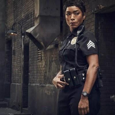 Angela Bassett entre dans l'histoire en devenant la femme noire la mieux payée de la télévision US
