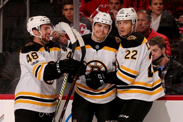 Boston+Bruins+v+New+Jersey+Devils+Jz_wvzxXKrvl
