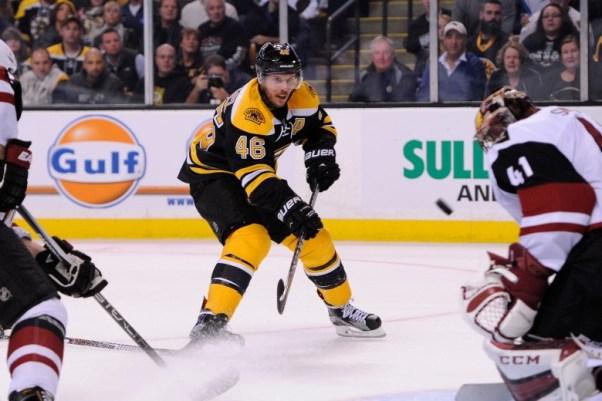 Arizona Coytes at Boston Bruins