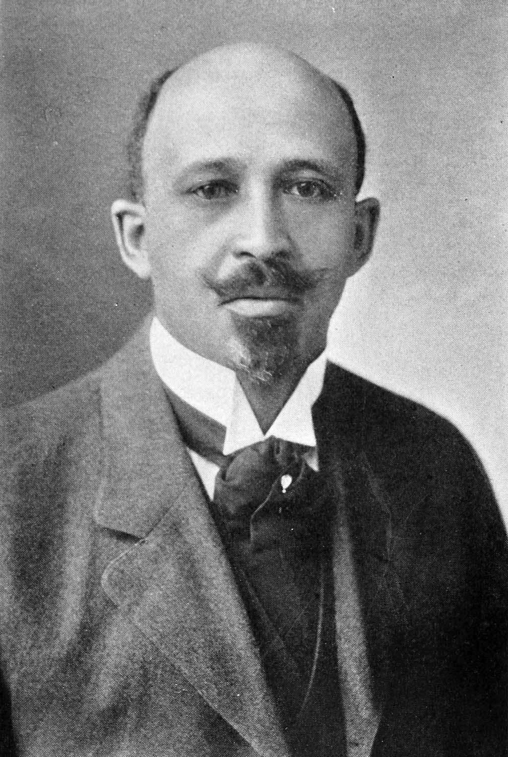 Amazon.com: W. E. B Du Bois: Books