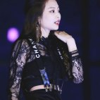 Blackpink-Jennie-SBS-Gayo-Daejun-2017-9