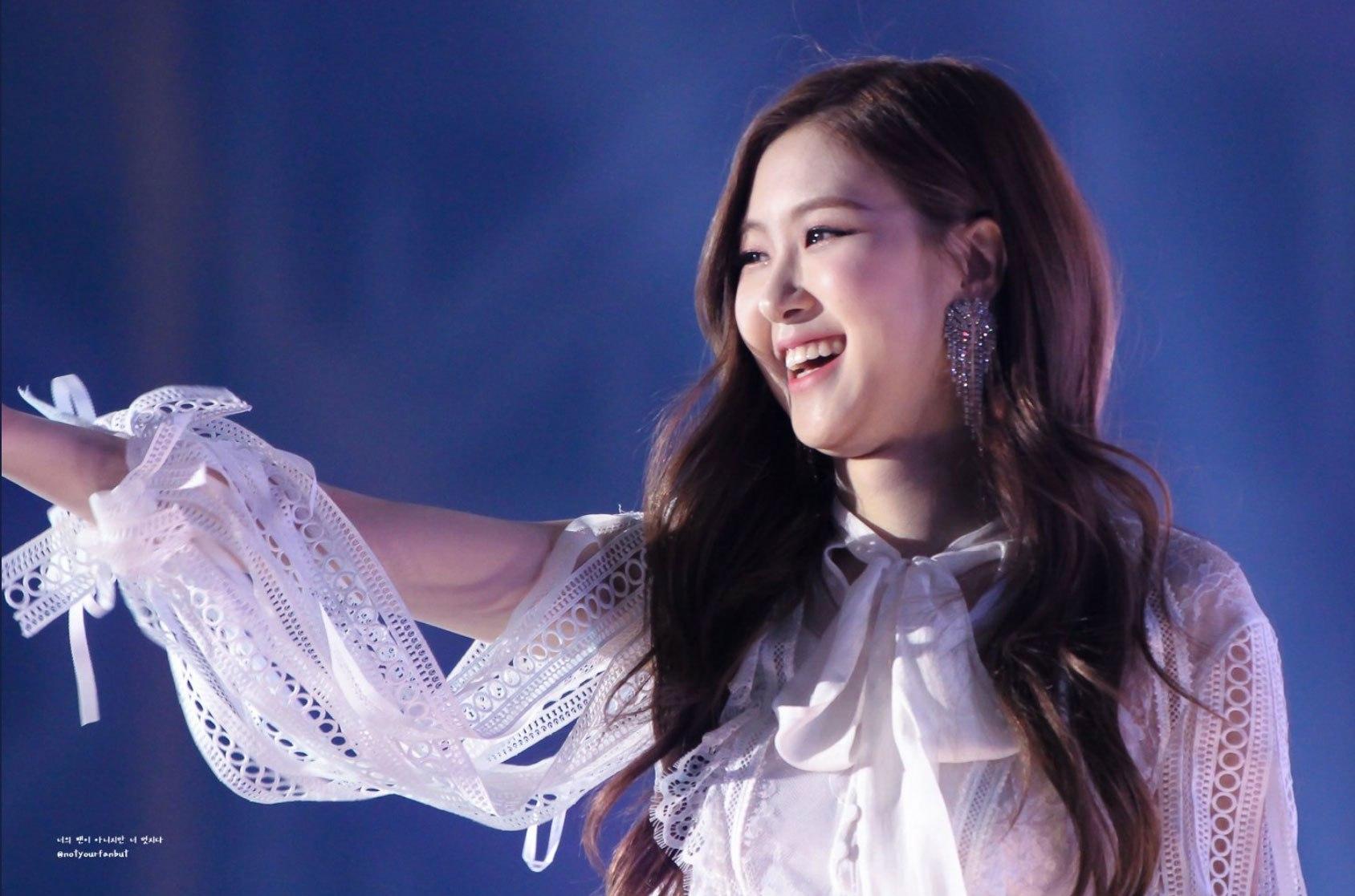 Blackpink-Rose-Gayo-Daejun-2017