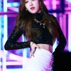 Blackpink-Rose-photos-at-SBS-Gayo-Daejun-2017-6