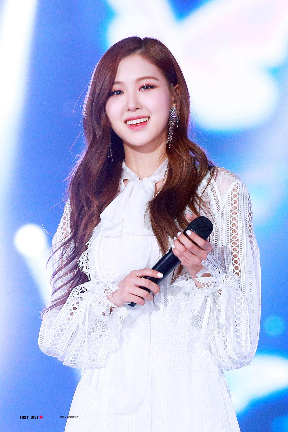 Blackpink Rose Special Stage Sbs Gayo Daejun 2017 15
