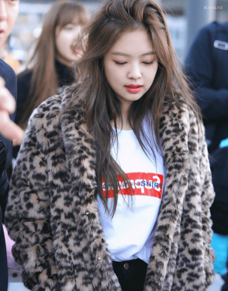 Blackpink Jennie Airport photo