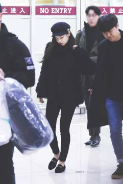 Blackpink Jennie Winter Airport Fashion